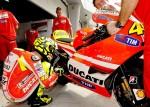 Rossi01_moto gp team 2011